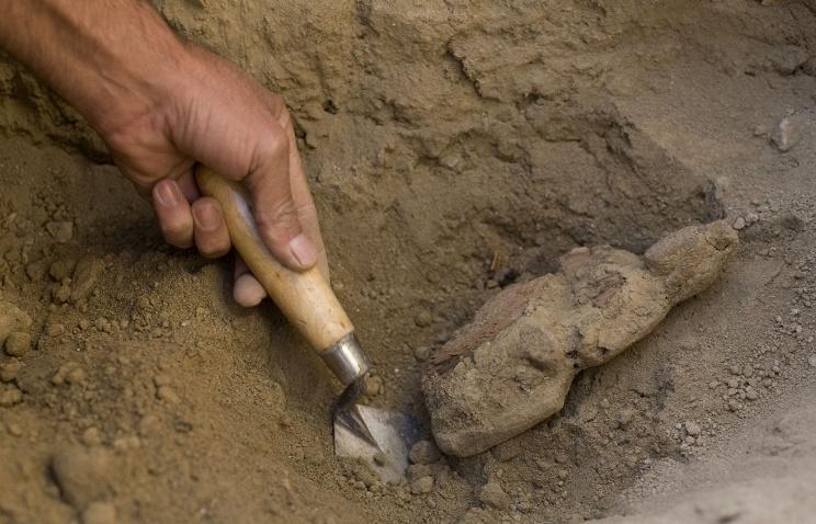 Проведение раскопок некрополя в Китае