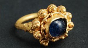 """Золотое кольцо с голубой жемчужиной из клада """"Северного потока"""""""