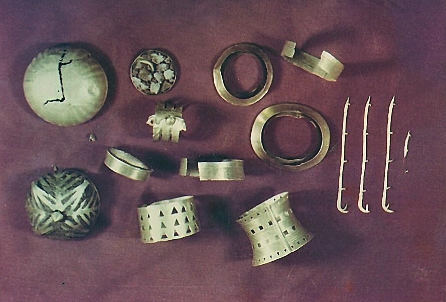 Фрагменты украшения царского скипетра из клада из Вильены